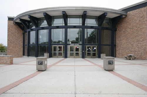 exterior of Oak Hills High School