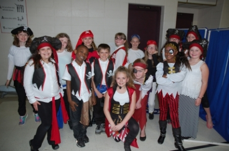 Pirates and scallywags in the musical Pirates at Delshire